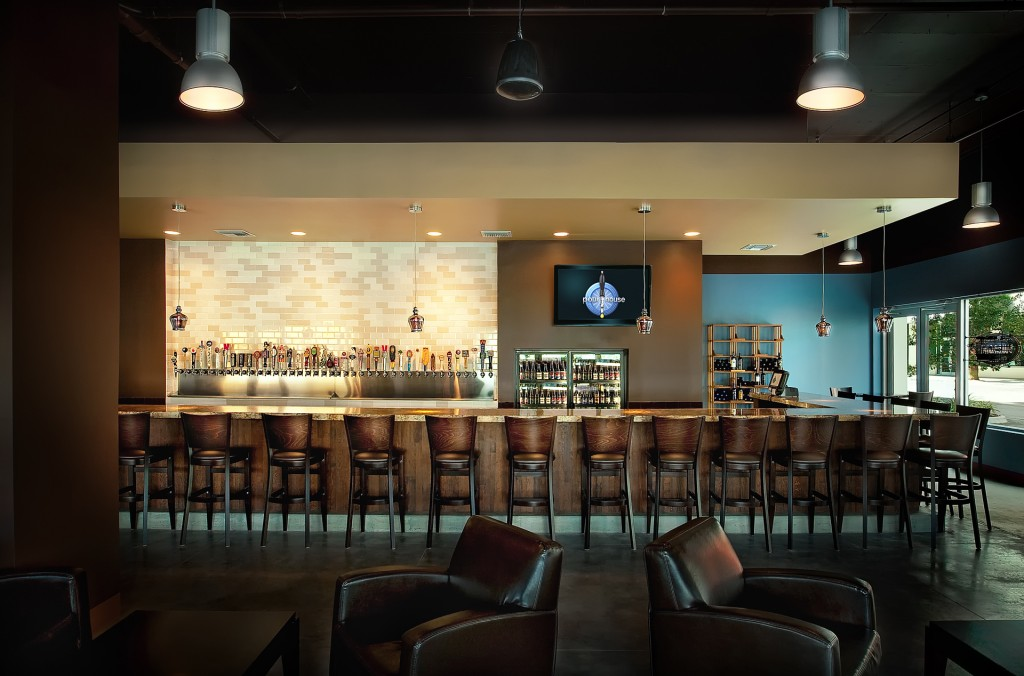 Pourhouse Tampa Channel District