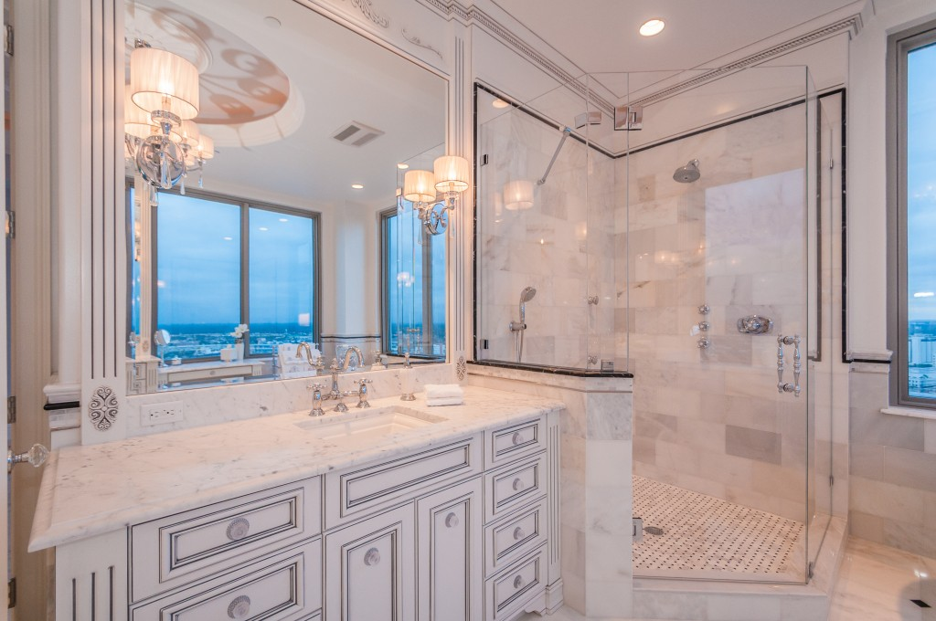 Master Bathroom4